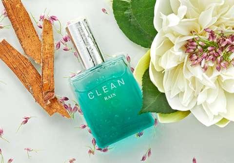 Фото с сайта: http://cleanperfume.com/rain-eau-de-parfum