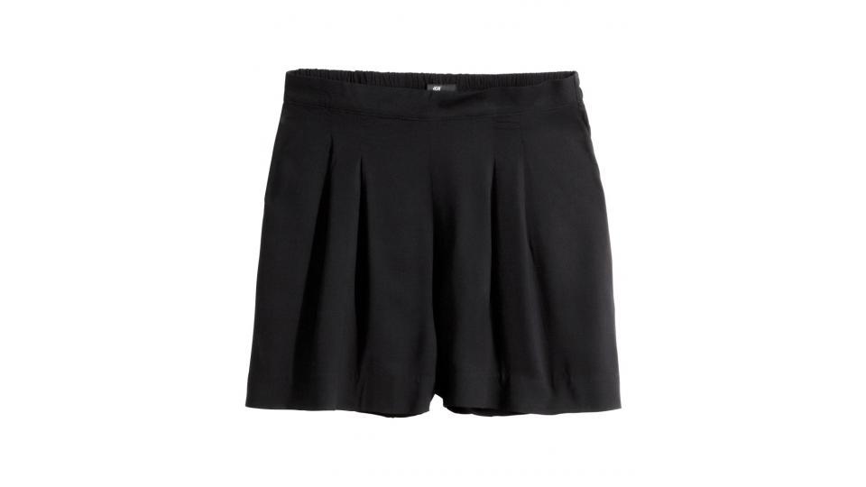 шорты H&M, 799 руб. (фото с сайта hm.com)