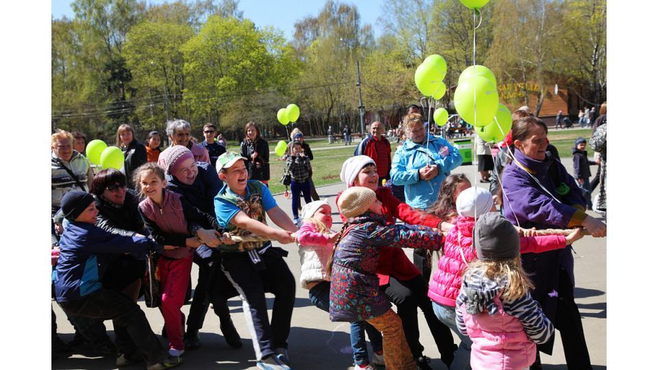 Субботник в парке Кузьминки год назад. Фото с сайта park-kuzminki.ru