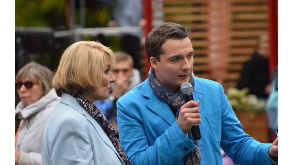 В прошлом году фестиваль вели диктор Вера Коцюба и телеведущий Федор Баландин