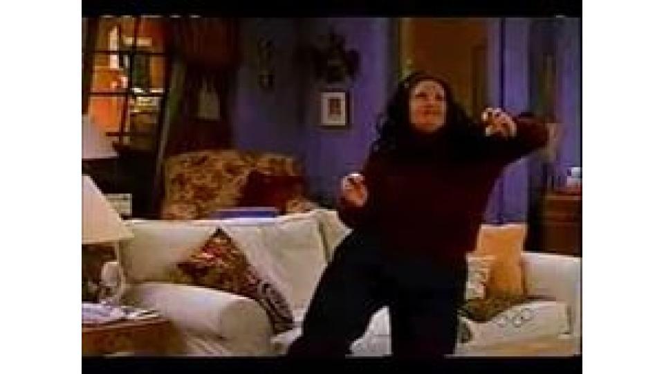 Моника любила танцевать и будучи на «пару» килограммов полнее