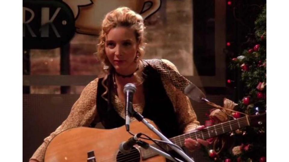 Фиби частенько сочиняла песни для любимых друзей. Тоже вариант отдыха