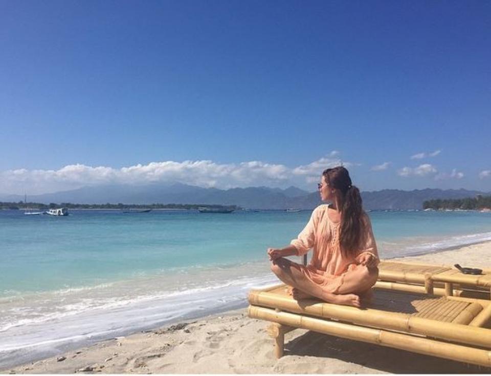 Нелли Ермолаева. Эх, на море бы, но еще медитировать и медитировать...