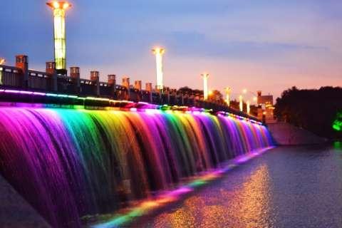 Самые необычные фонтаны в мире