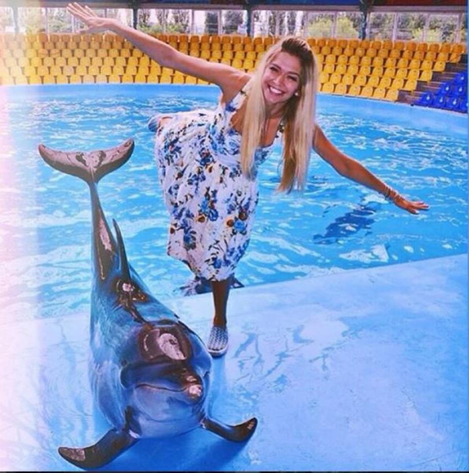 Вера Брежнева свою дозу позитива получила в дельфинарии