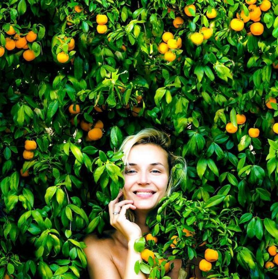 У Полины Гагариной лимонно-солнечное настроение