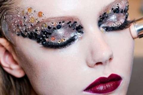 Три тренда в новогоднем макияже