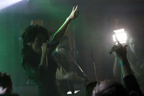 Юлия Волкова рассказала о новом треке, концерте в Москве и дружбе с Лигалайзом