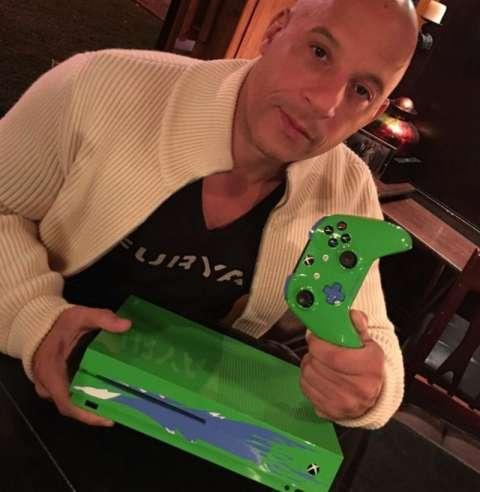 Новую приставку Xbox One S посвятили актёру Полу Уокеру