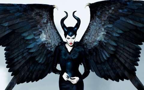 Анджелина Джоли устроила скандал на съёмках «Малефисенты»