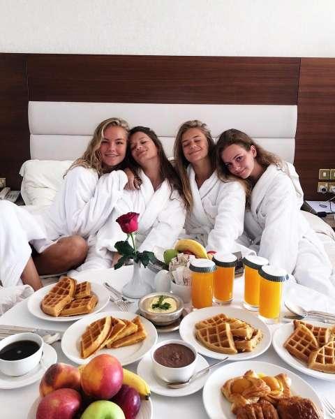 5 странных вещей, которые делают девушки