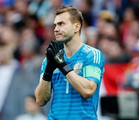 Игорь Акинфеев завершил карьеру в сборной России